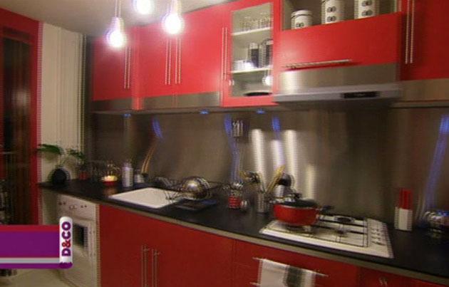 Cuisine rouge et noire photos for Jolie cuisine