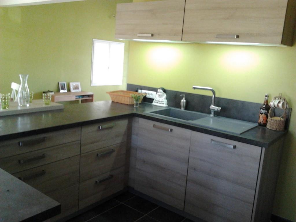 cuisine vert topaze. Black Bedroom Furniture Sets. Home Design Ideas