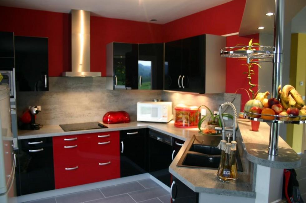 Deco cuisine noir et rouge for Photo deco cuisine