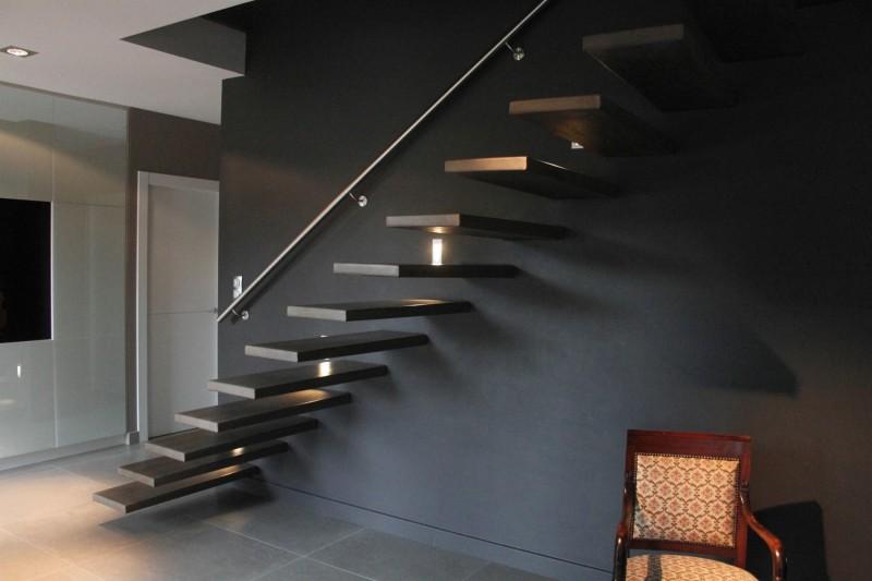 Deco escalier noir - Deco descente d escalier ...