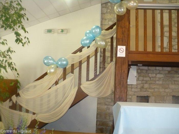 deco escalier pour mariage. Black Bedroom Furniture Sets. Home Design Ideas