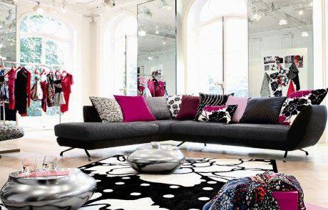 Deco salon fushia gris for Decoration maison fushia