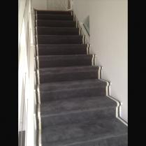 tapis moquette escalier. Black Bedroom Furniture Sets. Home Design Ideas
