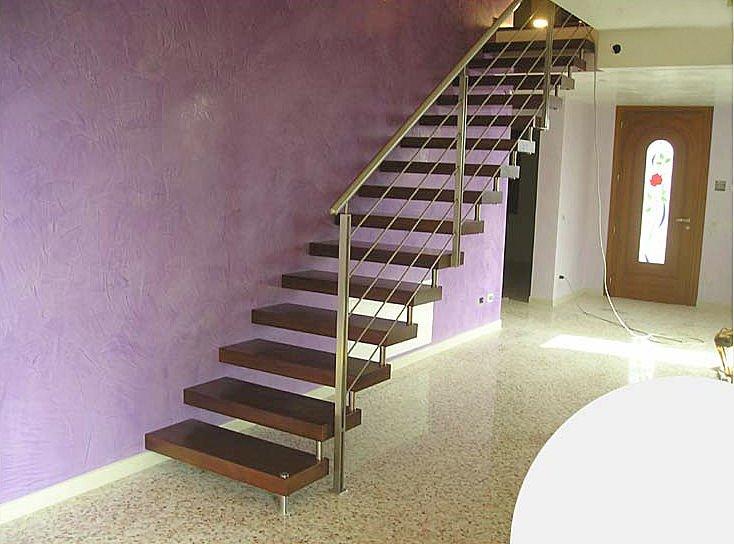 idée decoration couloir avec escalier