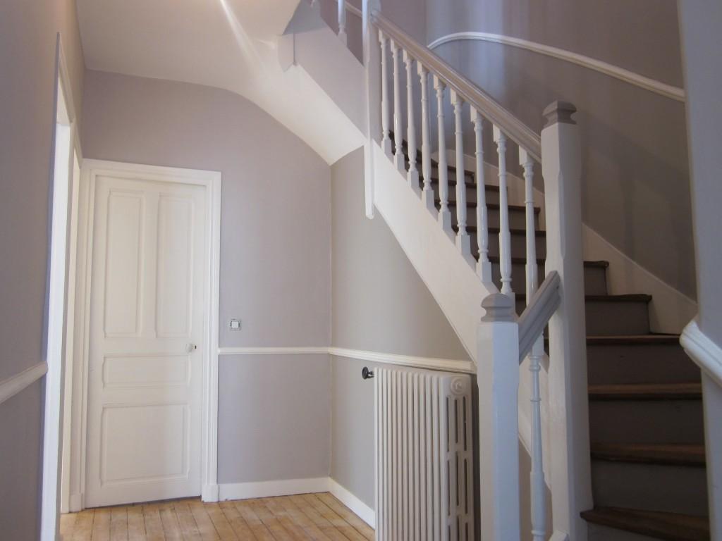 modèle decoration entree avec escalier