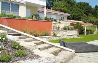 exemple decoration escalier beton exterieur