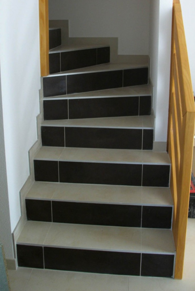 Decoration escalier carrelage - Idee deco carrelage ...