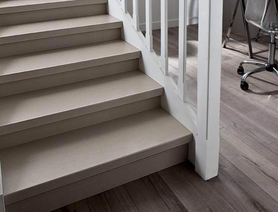 decoration escalier en bois. Black Bedroom Furniture Sets. Home Design Ideas