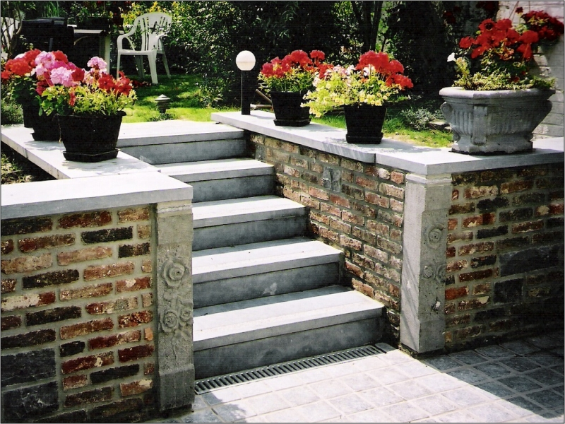 Decoration escalier exterieur for Image decoration jardin exterieur