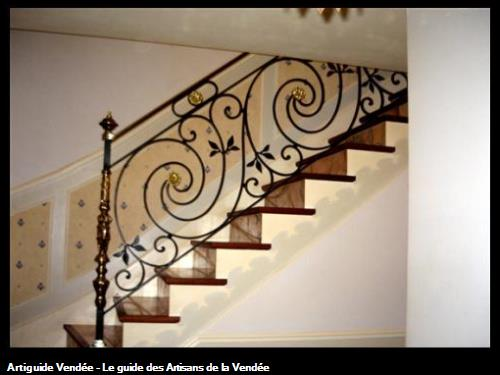 Decoration escalier fer forge for Decoration fer forge mural