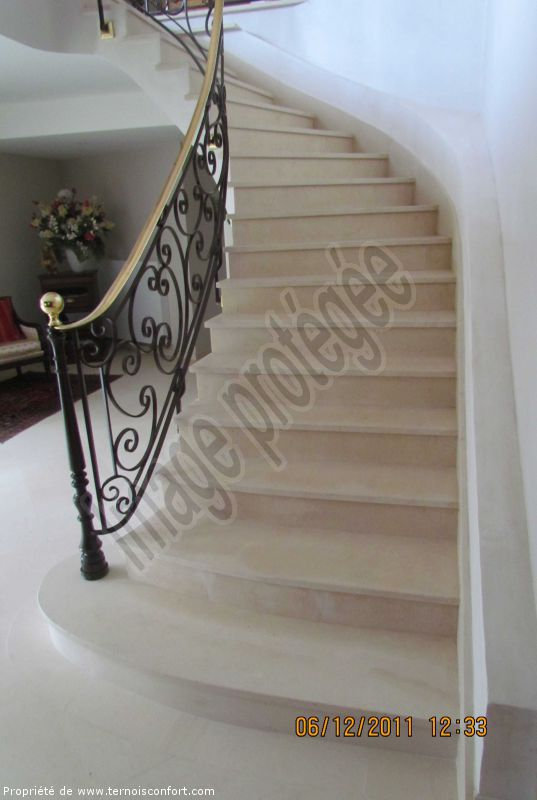 decoration escalier marbre