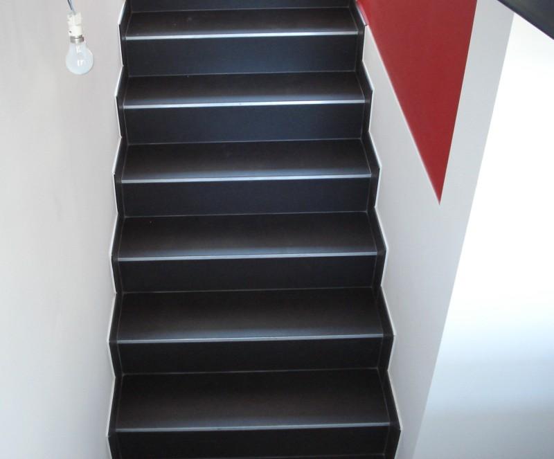 Decoration escalier noir for Decoration escalier