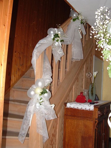 decoration escalier pour mariage. Black Bedroom Furniture Sets. Home Design Ideas