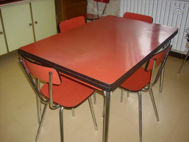 Cuisine formica rouge for Table de cuisine formica