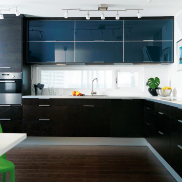Cuisine ikea noir laque for Ikea amenagement cuisine