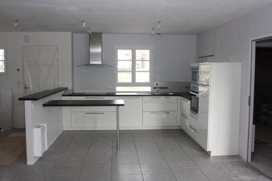 Meuble de cuisine blanc quelle couleur pour les murs - Quelle couleur avec une cuisine blanche ...