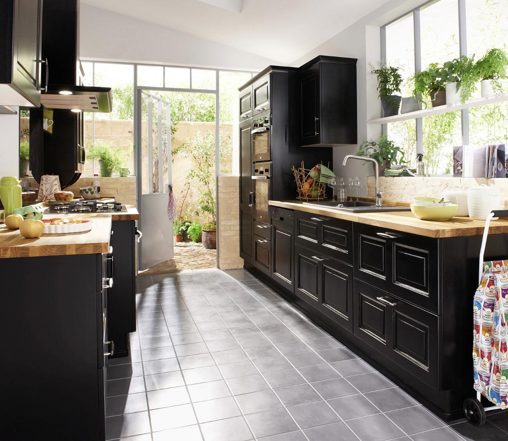 cuisine noire style bistrot. Black Bedroom Furniture Sets. Home Design Ideas