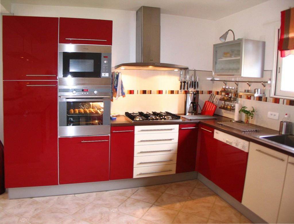 Cuisine rouge brillant for Cuisine rouge brillant