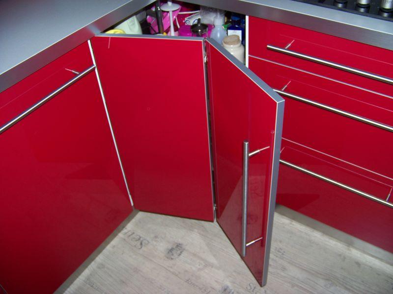 Cuisine rouge laquee ikea for Porte cuisine laquee