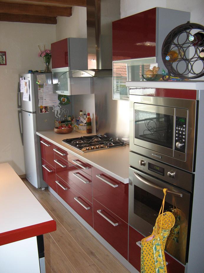 Beautiful cuisine rouge plan de travail bois ideas design trends
