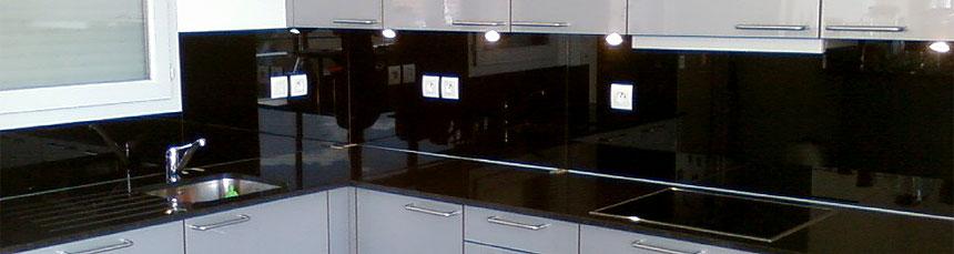 cuisine verre noir. Black Bedroom Furniture Sets. Home Design Ideas