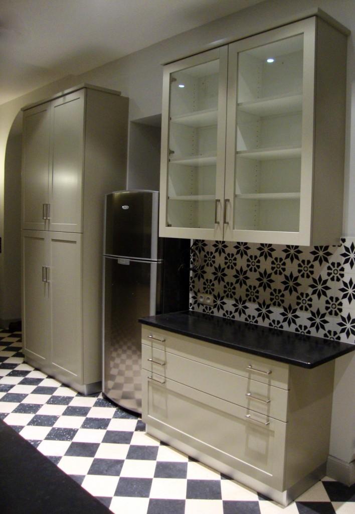 cuisine vert gris design d 39 int rieur et id es de meubles. Black Bedroom Furniture Sets. Home Design Ideas