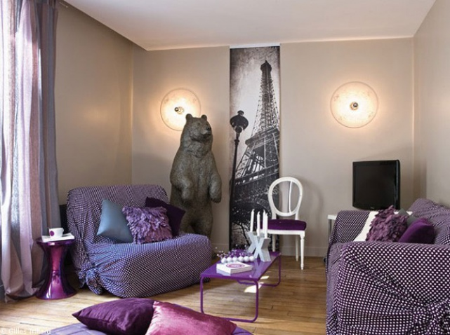 Deco salon avec canape violet for Photo idee deco salon