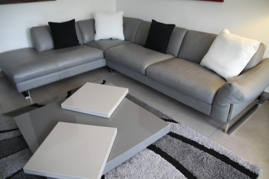 Deco salon blanc et gris - Deco salon gris et blanc ...