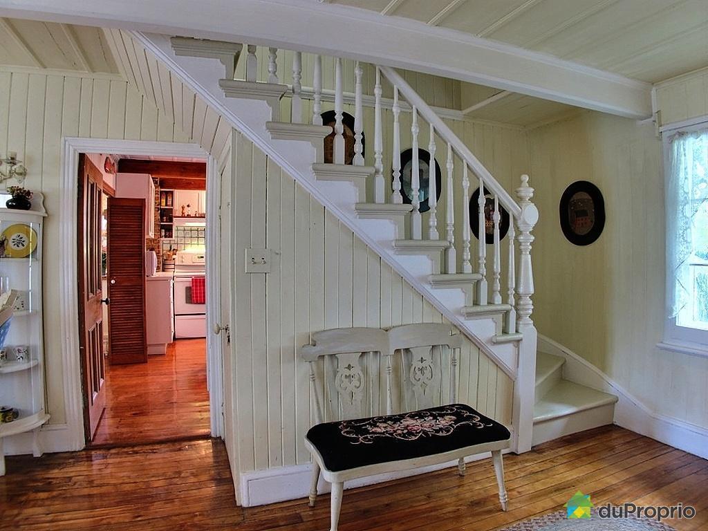 decoration escalier quebec. Black Bedroom Furniture Sets. Home Design Ideas