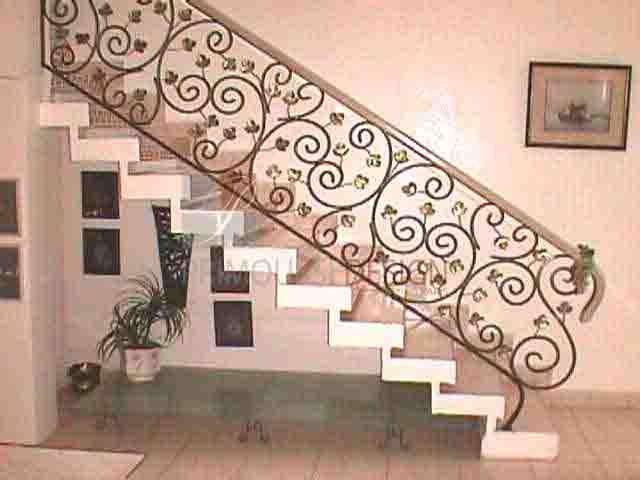 modèle decoration rampe escalier