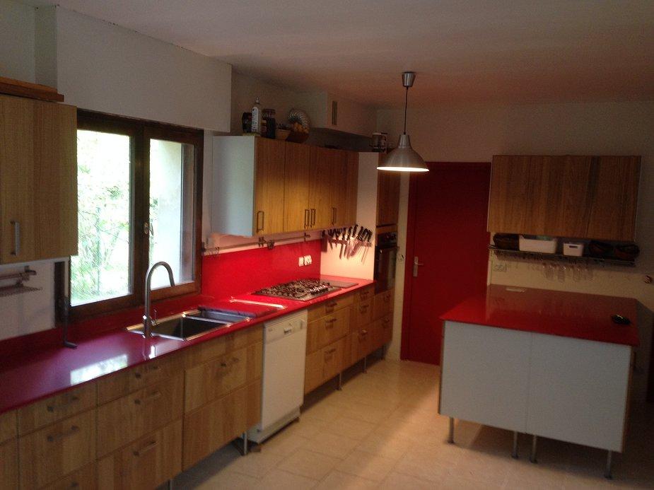 Jolie cuisine quartz rouge