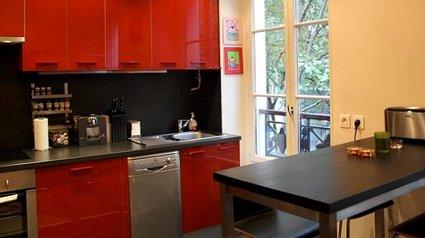 modèle cuisine rouge mur couleur .