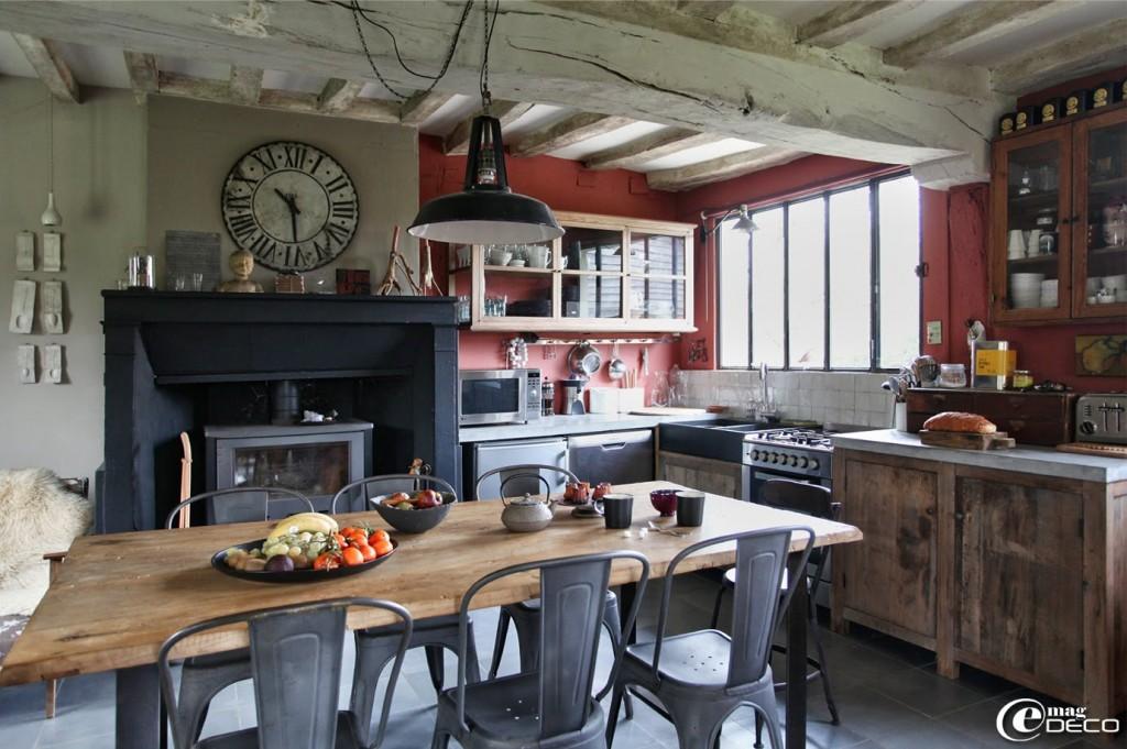 Deco cuisine table haute for Organisation cuisine