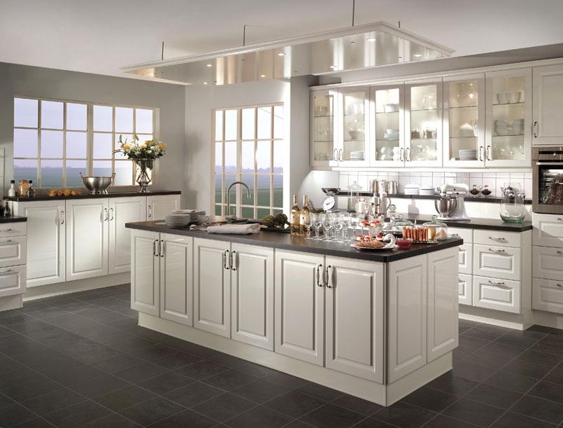 Decoration cuisine classique blanc for Deco cuisine classique