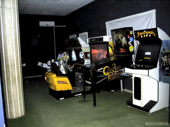 Centre pour adolescents comprend salle de jeux