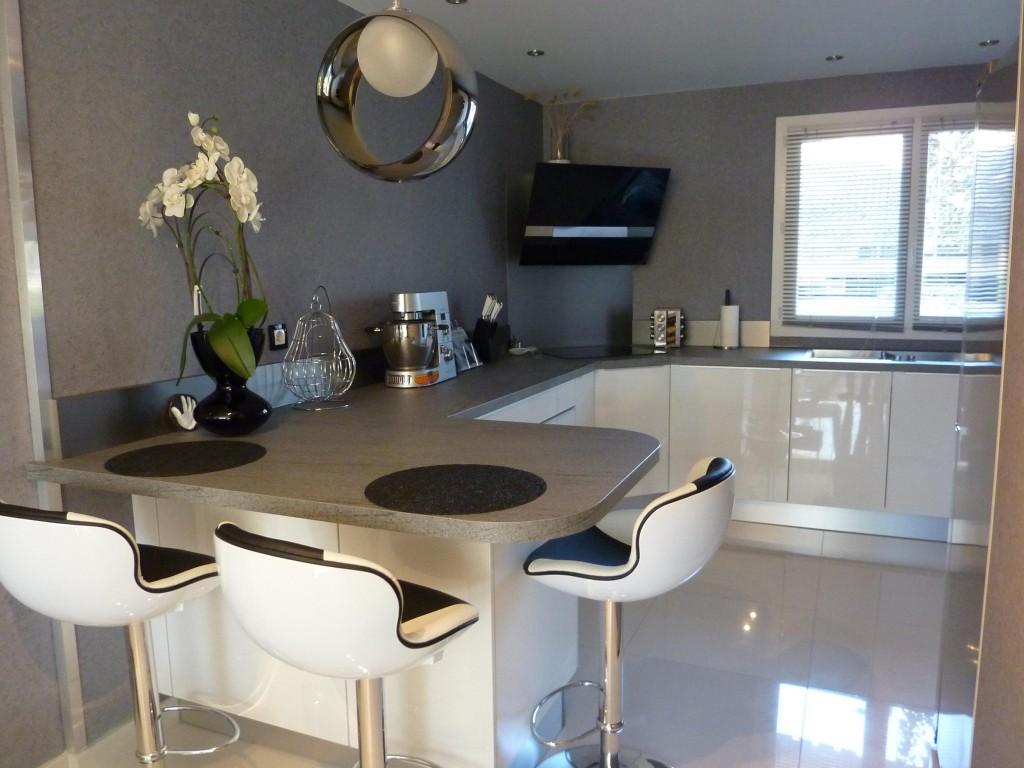 d co salle manger noir et blanc. Black Bedroom Furniture Sets. Home Design Ideas