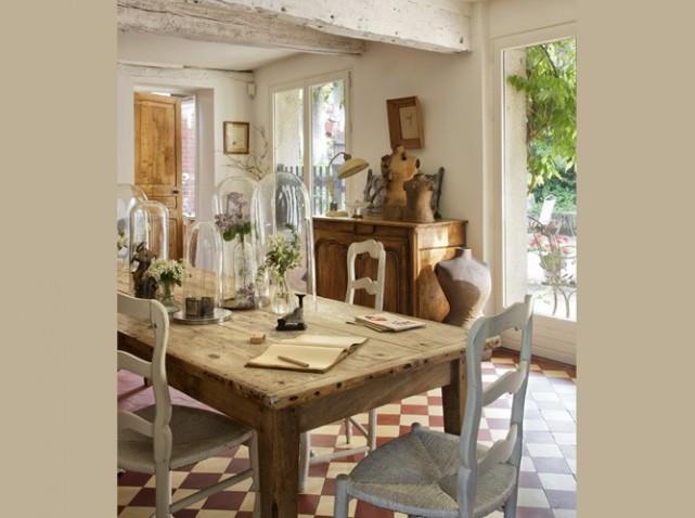 belle décoration table salle à manger