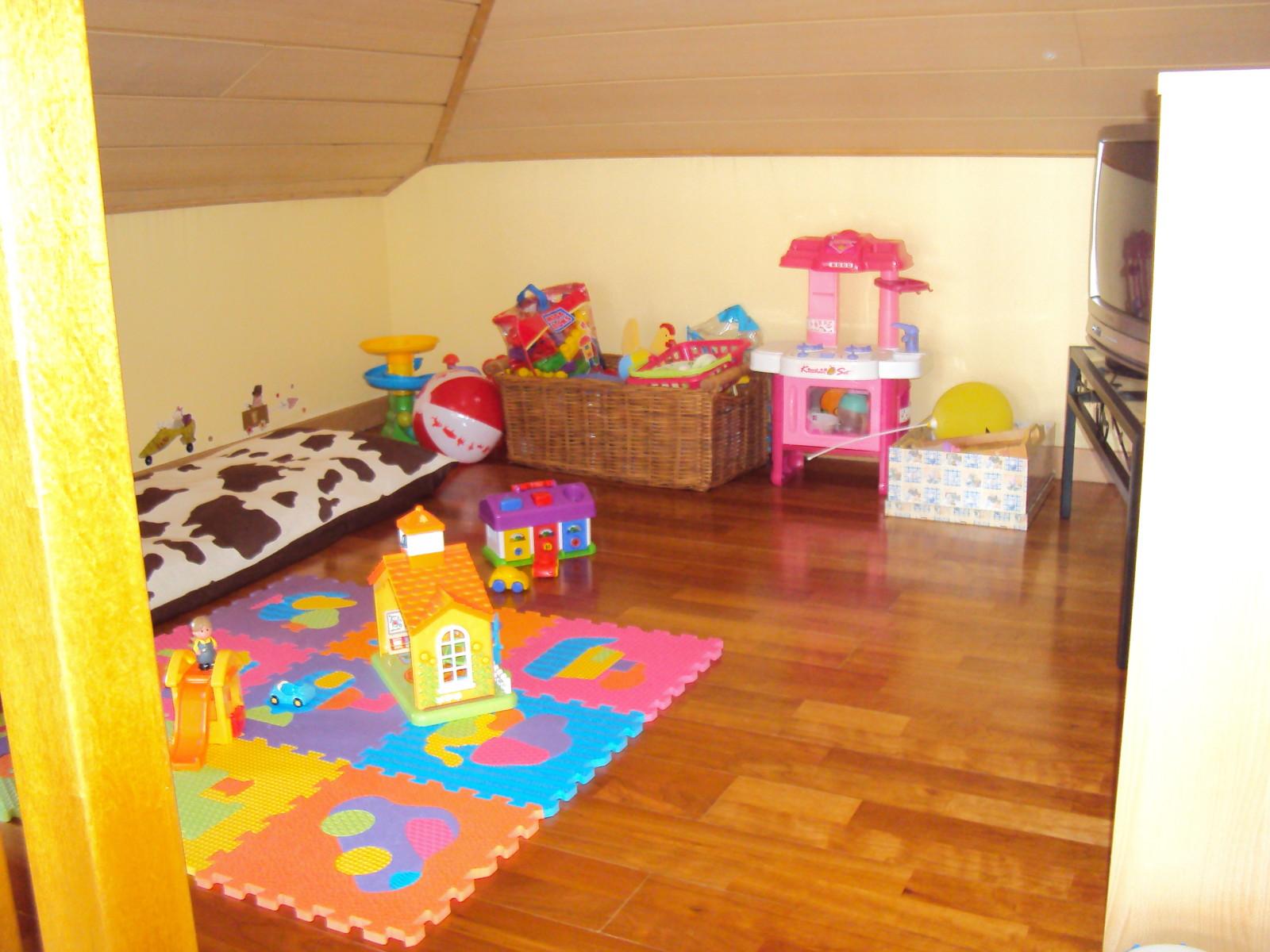 deco petite piece gallery of pourquoi et comment jouer avec la luminosit dans une petite pice. Black Bedroom Furniture Sets. Home Design Ideas