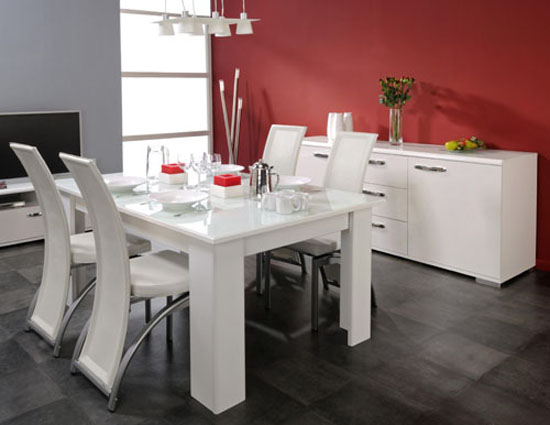 d coration sur une table de salle manger. Black Bedroom Furniture Sets. Home Design Ideas