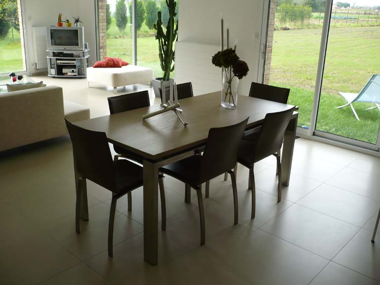 Stunning decoration table salle a manger ideas for Table salle a manger sur mesure