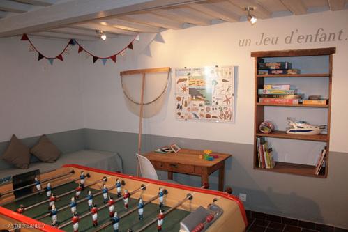 d co salle de jeux bar. Black Bedroom Furniture Sets. Home Design Ideas