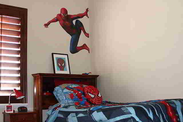 déco murale spiderman