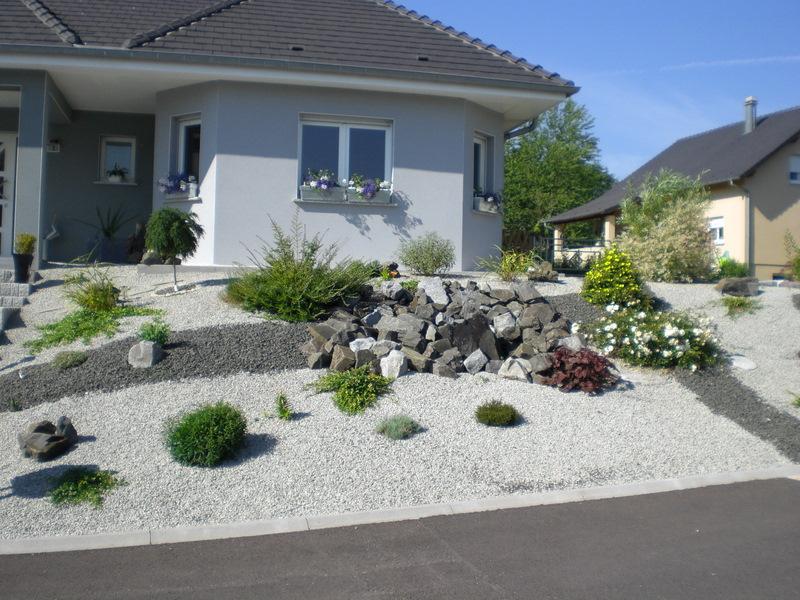 Exceptionnel univers décoration idee jardin avec cailloux IS15