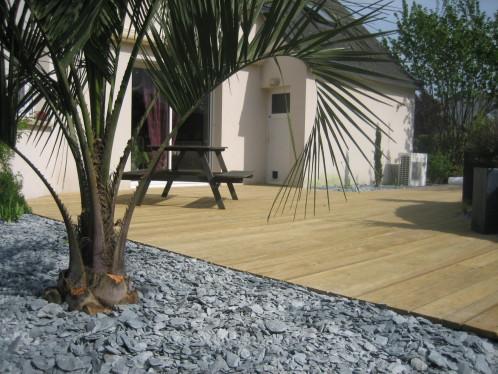 exemple décoration jardin autour d\'une piscine - Photo Déco