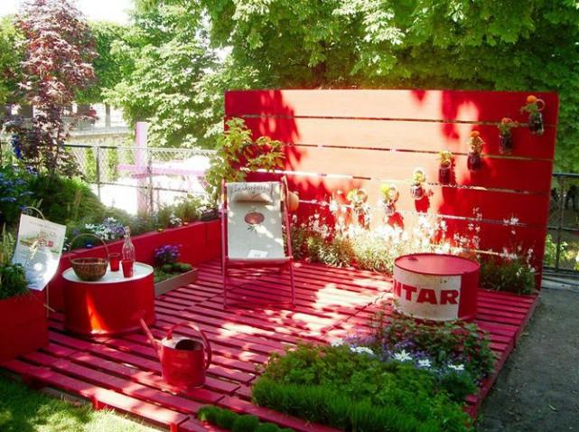 D co jardin avec palettes bois for Idee deco avec du bois