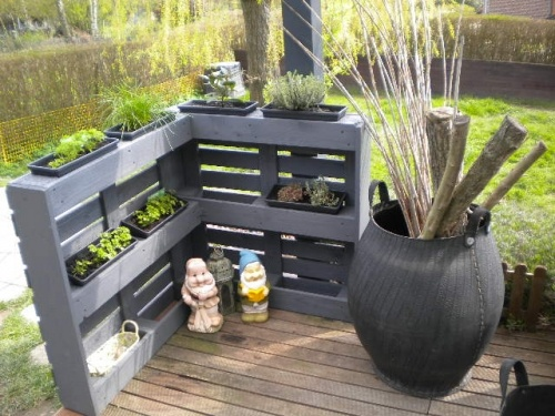 d co jardin avec palettes bois. Black Bedroom Furniture Sets. Home Design Ideas