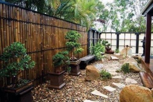 D co jardin avec bambou for Modele de deco jardin