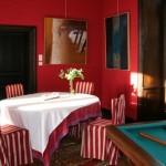 décoration studio rouge et blanc